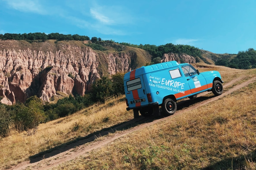 Blue Rally Europe Raid 4L